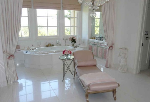 Died and gone to pink heaven diary of a pink diamond for Master bathroom mansion
